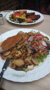 Hellers Brauhaus food